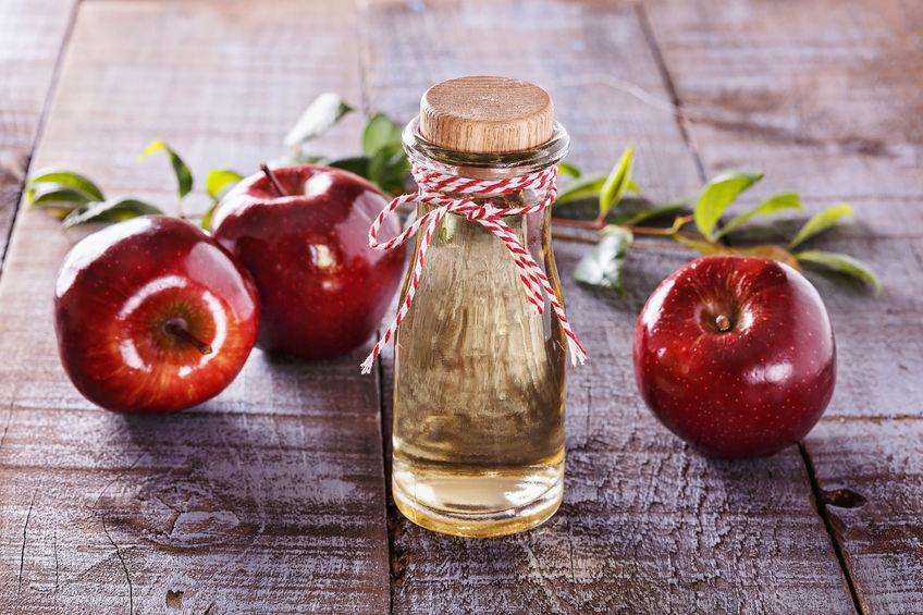 12 Gründe warum Apfelessig trinken gesund ist